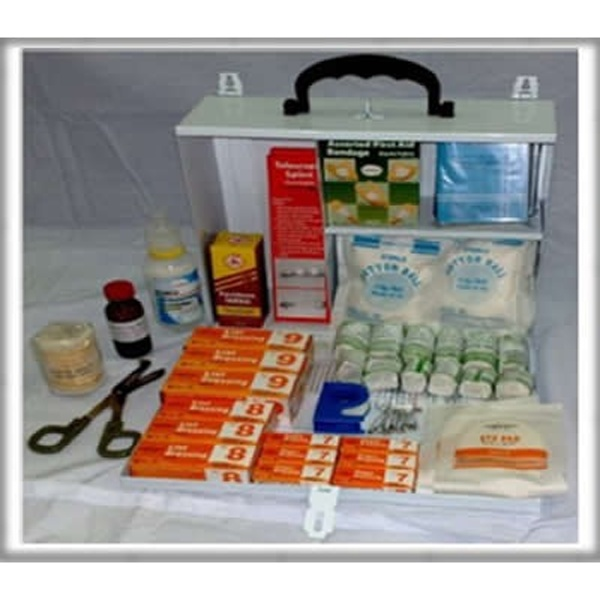 FIRST AID KIT PM-02-ML METAL LARGE FIRST AID KIT